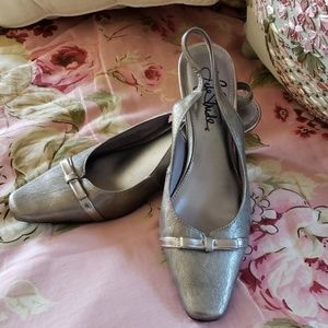 Life Stride Sling back silver shoes